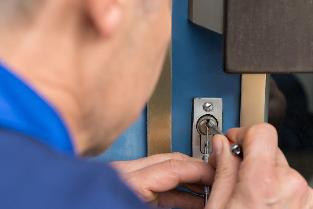 Locksmith in Hollywood Hills, California
